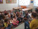 uczniowie czytają2