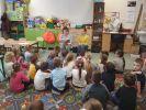 uczniowie czytają3