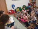 uczniowie czytają5